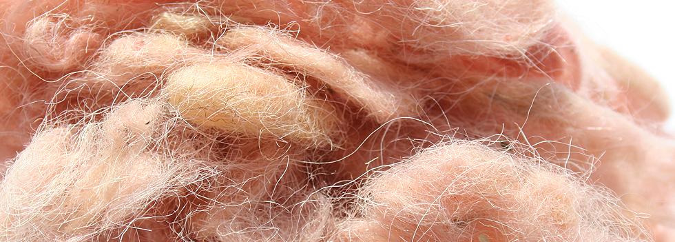 Raw material for blending into carpet fibre
